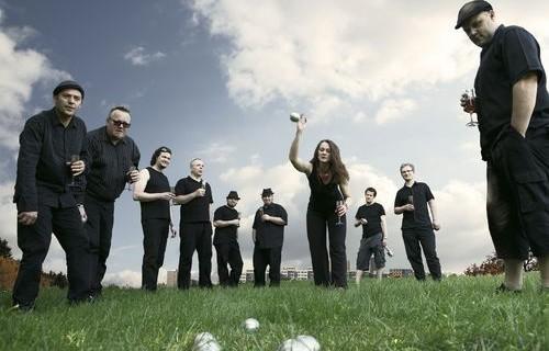 http://www.musicfoto.net/wp-content/uploads/2010/10/Sto-Zvirat-500x320.jpg