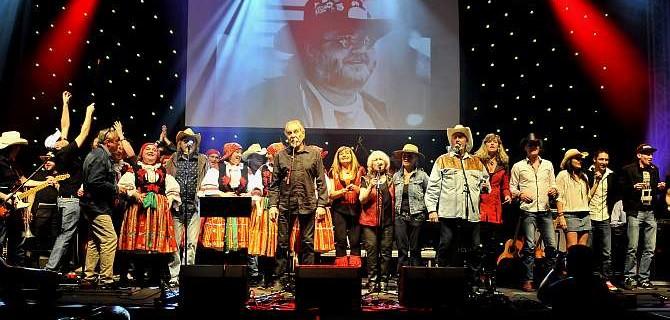 Vzpomínání na M.Tučného rozezpívalo Lucernu