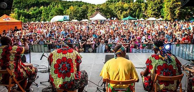 Barevná devítka – Etnofest – festival barev, chutí, vůní a rytmů.